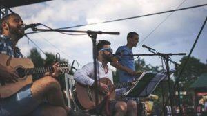 Fiesta Latina by Guitarritos @ Gurmánsky dvor u Oravca